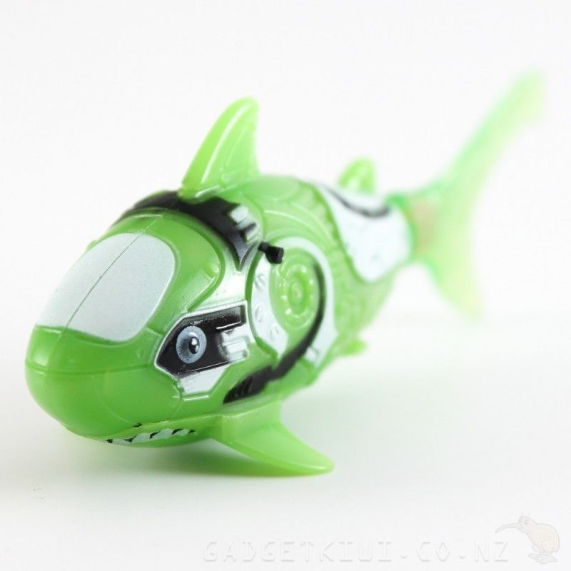 Robo fish battery powered electronic pet colour green shark for Battery operated fish